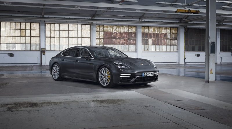 The new Porsche Panamera Pic Open